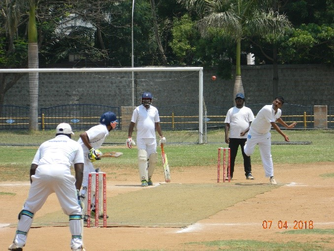 Zairyo Smashers' playing against the Covai Super Kings.